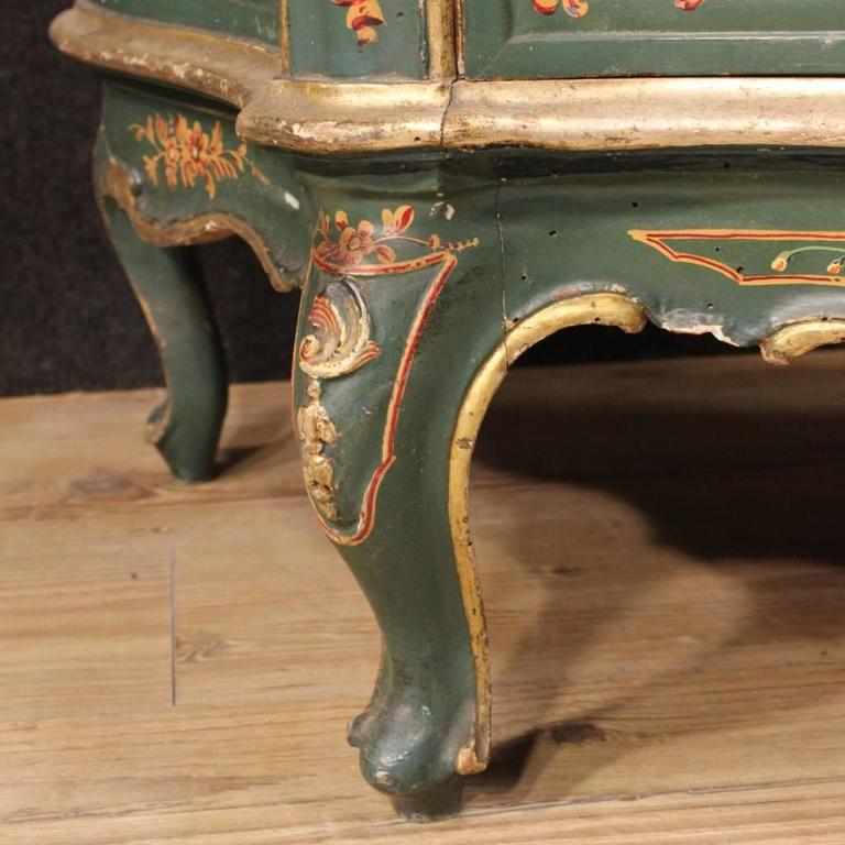 20th Century, Venetian Lacquered and Painted Sideboard For Sale 3