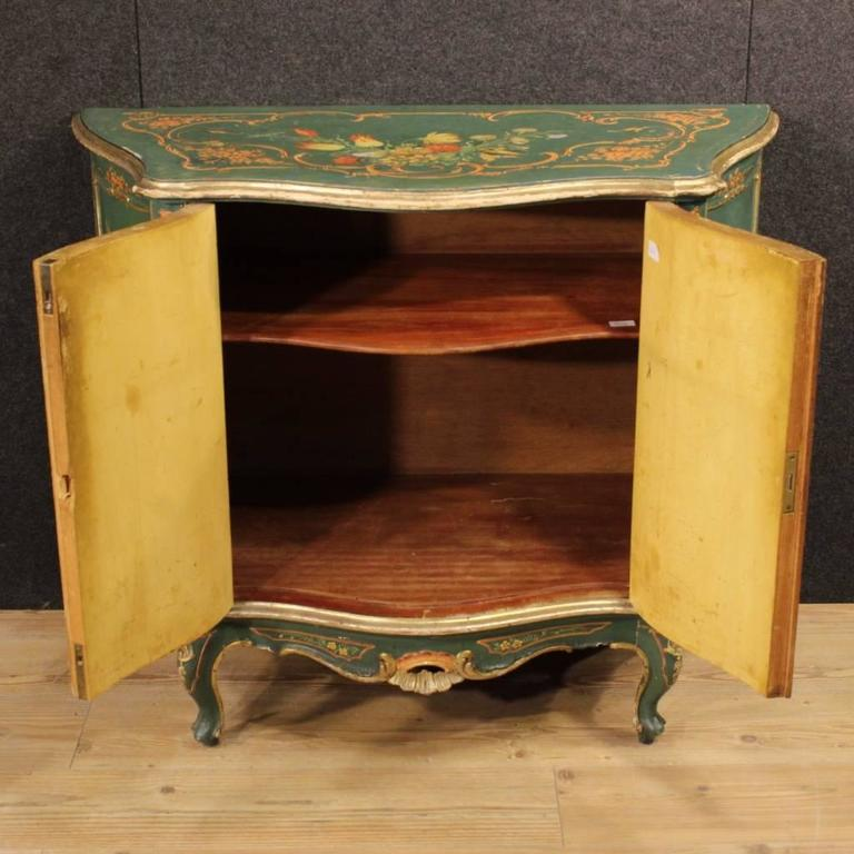 20th Century, Venetian Lacquered and Painted Sideboard For Sale 4