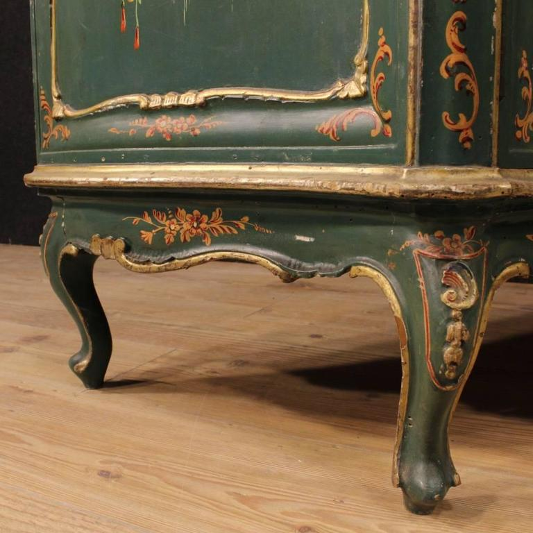20th Century, Venetian Lacquered and Painted Sideboard For Sale 5