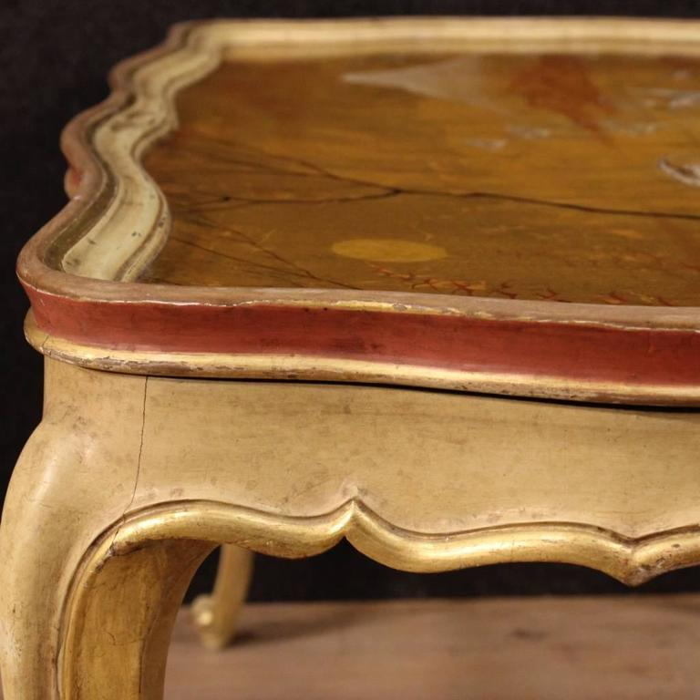 20th Century Venetian Lacquered And Gilt Coffee Table For