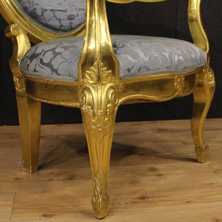 20th Century Pair of Italian Golden Armchairs with Floral Fabric For Sale 4