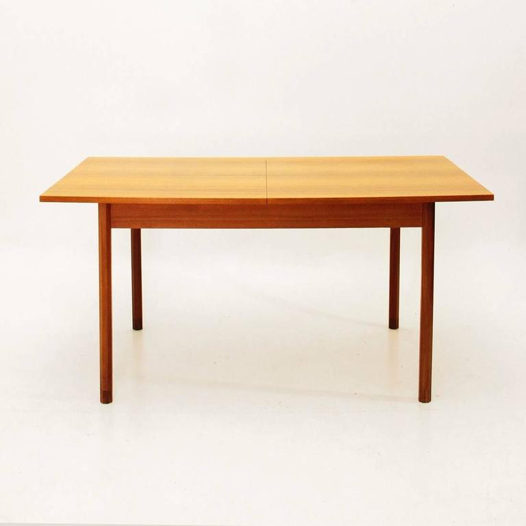 Italian rosewood extensible table 1960s at 1stdibs for Dining table extensible