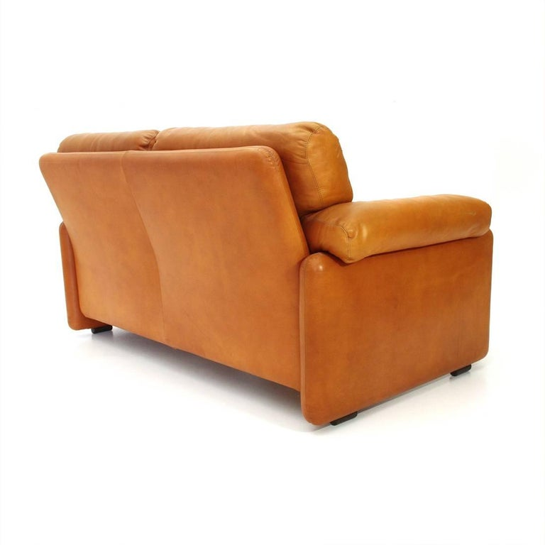 Brown Leather Coronado Two-Seat Sofa by Tobia Scarpa for B&B, 1960s In Good Condition For Sale In Savona, IT