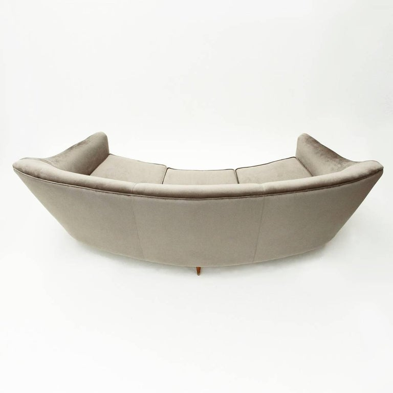 Italian Three-Seat Grey Velvet Sofa, 1950s For Sale 1