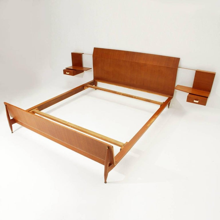 Mid-Century Modern Modernist Bed with Nightstand in Teak by Galleria Mobili d'Arte of Cantù, 1950s For Sale