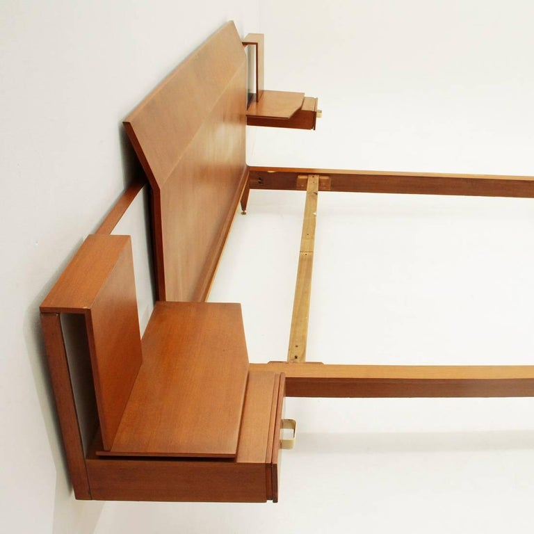 Italian Modernist Bed with Nightstand in Teak by Galleria Mobili d'Arte of Cantù, 1950s For Sale