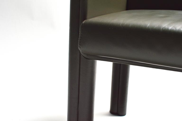 Pair of Tobia Scarpa Leather Settees For Sale 1