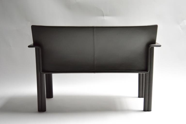 Pair of Tobia Scarpa Leather Settees In Good Condition For Sale In Los Angeles, CA