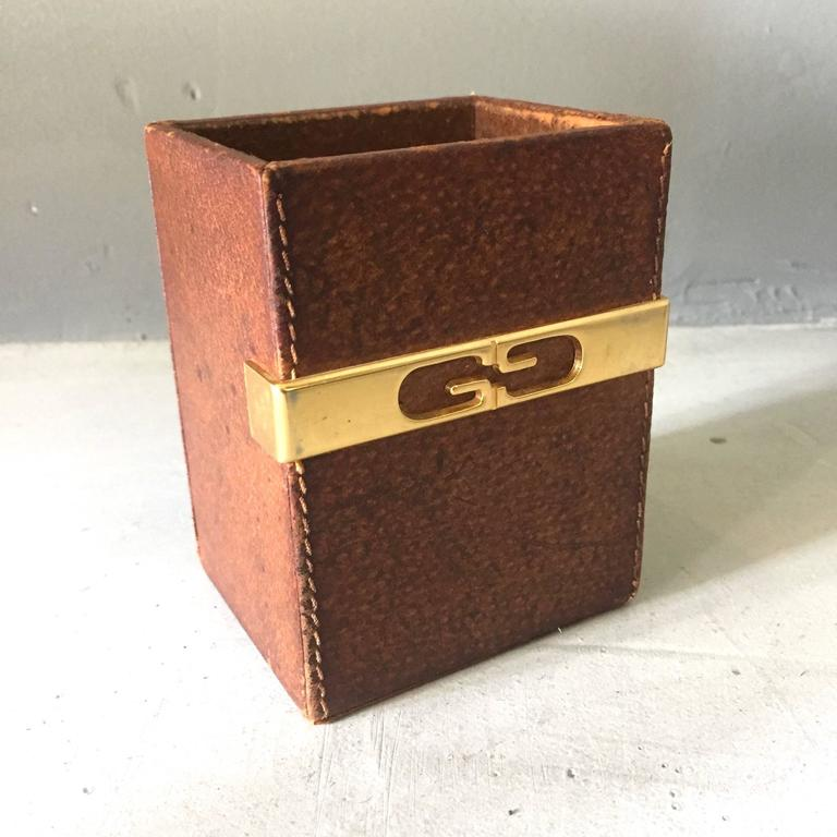 Gucci Desktop Pen Holder in Brass and Saddle Leather 4