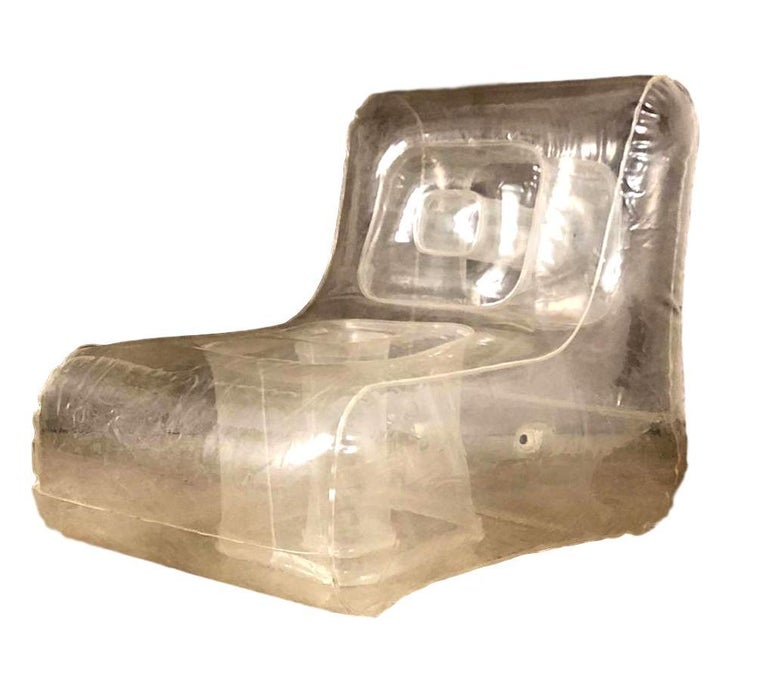 Great whimsical inflatable chair in the style of Quasar Khanh. Made in France in the 1970s. No rips or tears. Excellent condition. Unique piece of