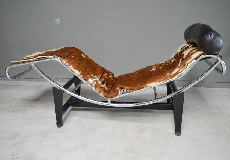 Cowhide Barstools Vintage Black White Hairhide Leather Bar: Le Corbusier/Jeanneret/ Perriand Lc4 Lounge Chair For Sale