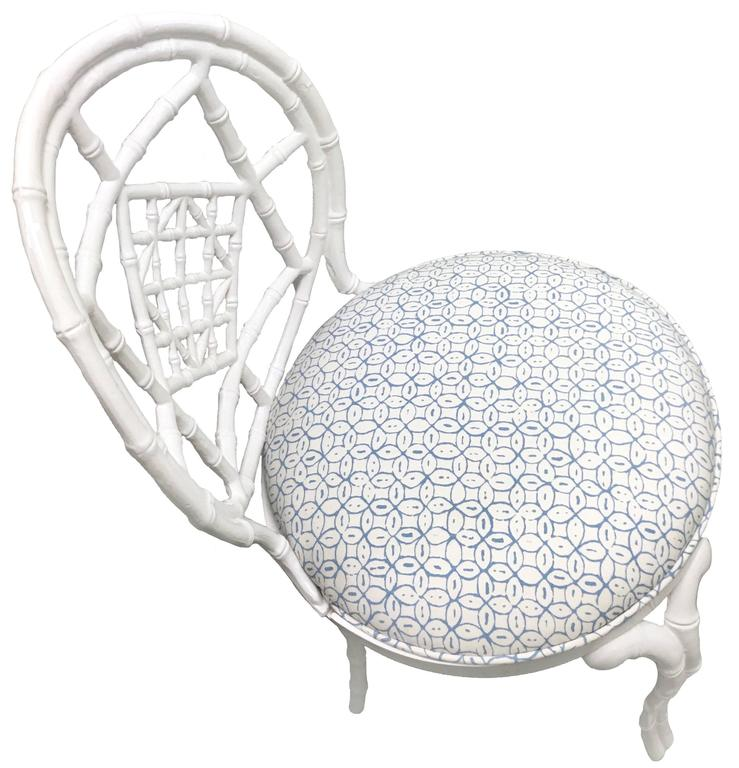 Powder-Coated Pair of White Chinoiserie Metal Bamboo Quadrille Upholstered Chairs For Sale