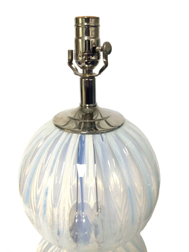 Italian Pair of Midcentury Opalescent Murano Glass Lamps For Sale