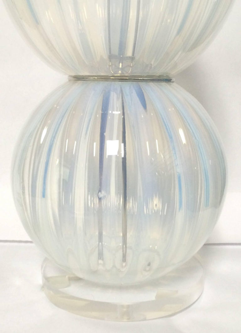 20th Century Pair of Midcentury Opalescent Murano Glass Lamps For Sale