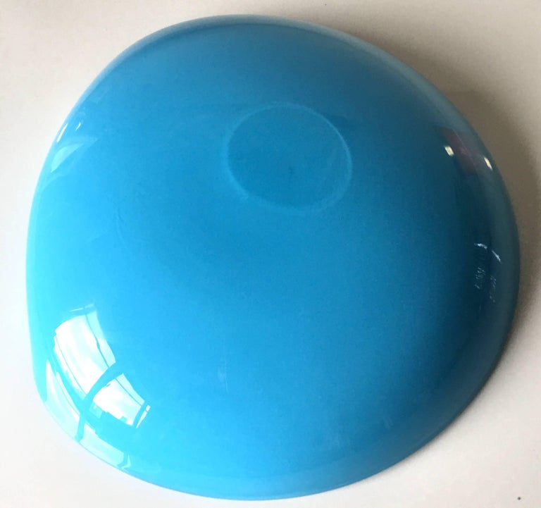 Large Blue Murano Glass Ashtray by Barbini In Excellent Condition For Sale In Stamford, CT