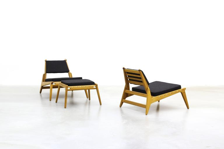 Pair of beautiful lounge hunting chairs with ottoman mid for Kopie eames chair