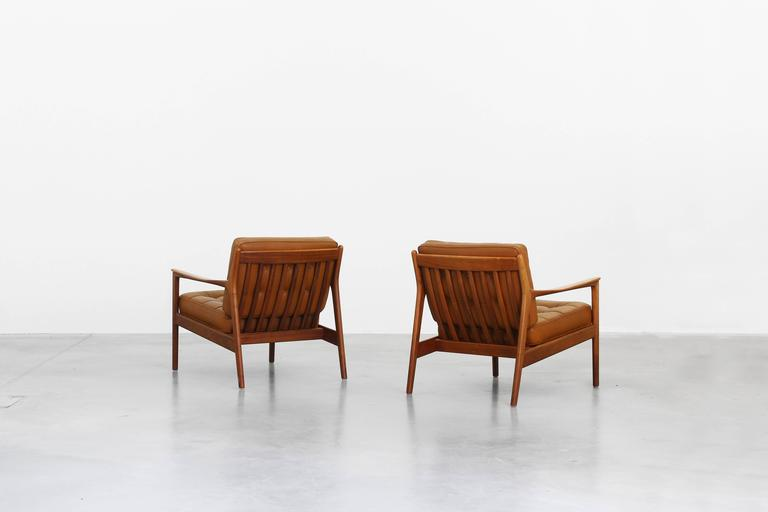 Pair of lounge easy chairs by folke ohlsson by dux for for Lounge chair kopie