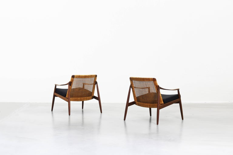 Beautiful Pair of Lounge Easy Chairs by Hartmut Lohmeyer for Wilkhahn 'b' In Excellent Condition For Sale In Berlin, DE