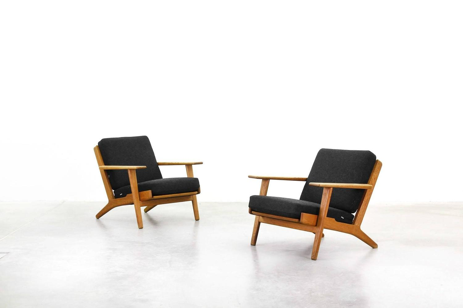 Lounge easy chairs by hans j wegner for getama ge 290 at for Lounge chair kopie