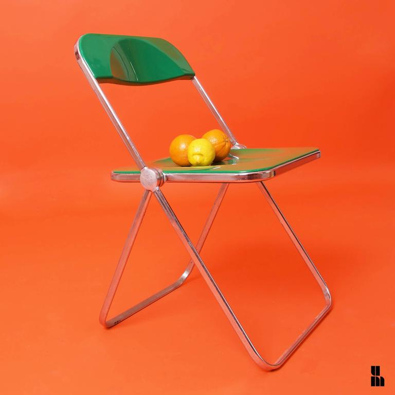 Post-Modern Giancarlo Piretti, Rare Pair of Green 'Plia' Folding Chairs For Sale