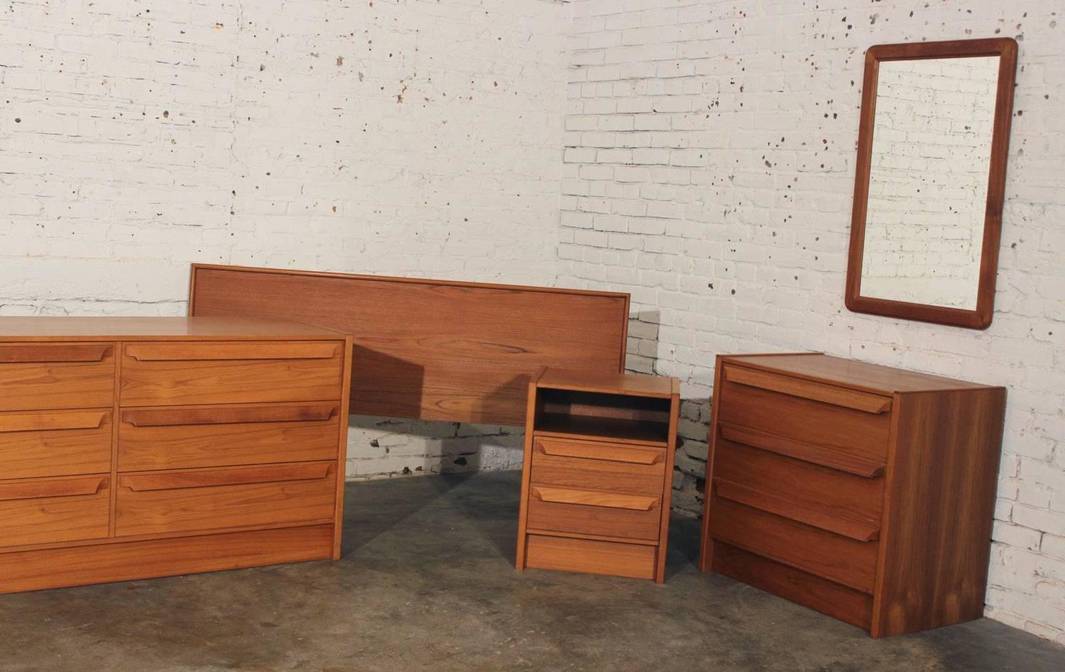 Danish Mid Century Modern Teak Double Dresser Chest Of Drawers At 1stdibs