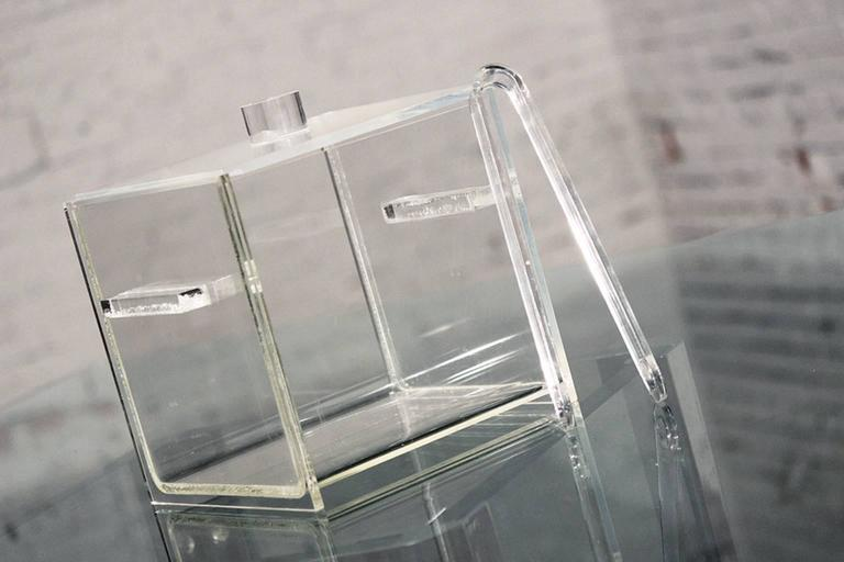 Mid-Century Modern Square Lucite Ice Bucket and Tongs For Sale 1