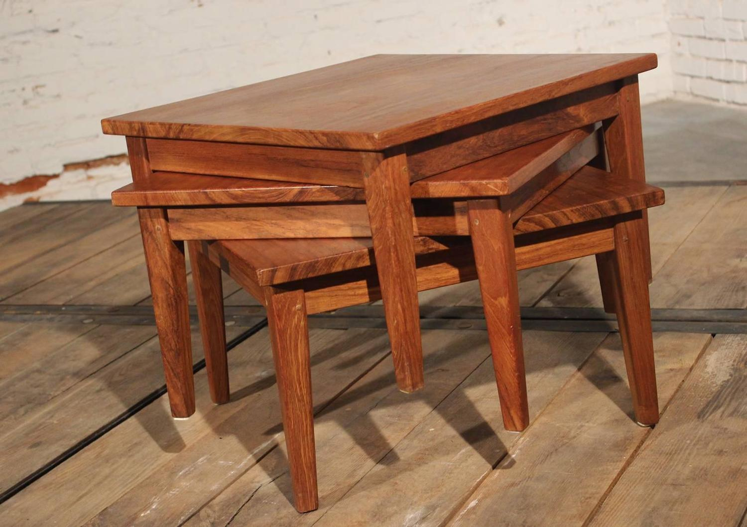 Mid century modern square stackable rosewood tables set for Small stackable coffee tables