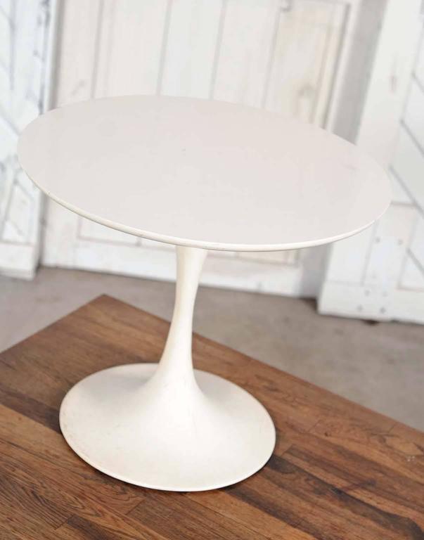 Mid Century Modern Small Saarinen Style Tulip End Table At