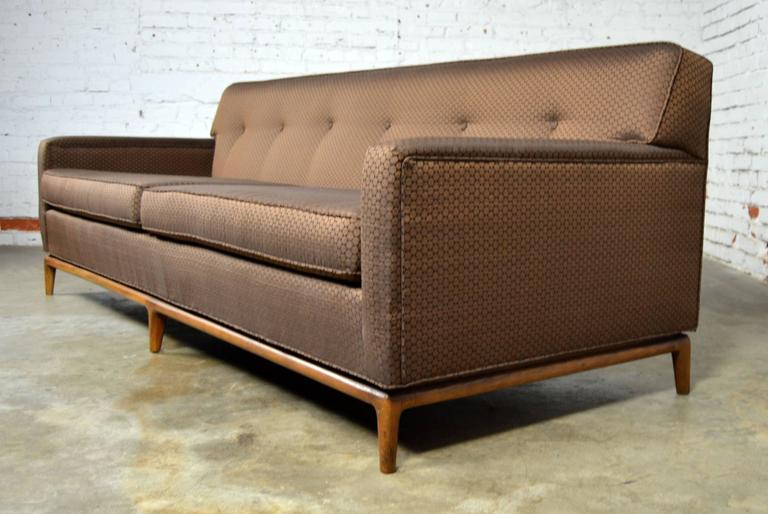 Mid Century Modern Tufted Back Tuxedo Sofa On Walnut Base In Good Condition For