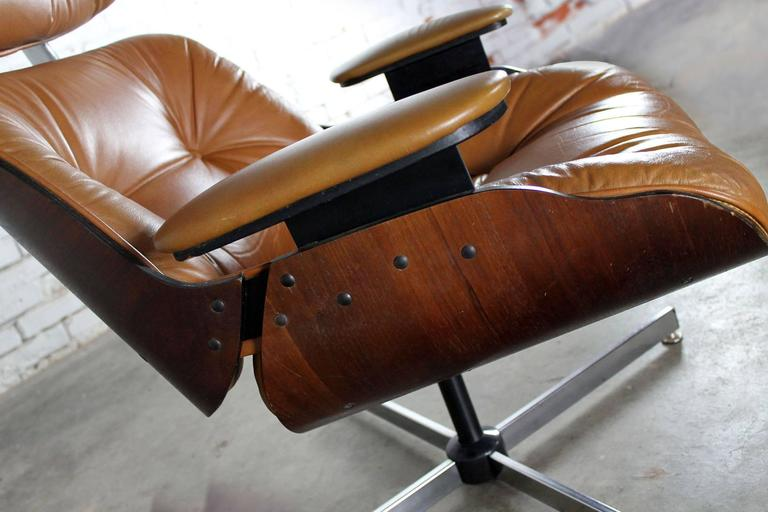 f7cd6382b49f Mid-Century Modern design Classic Plycraft lounge chair and ottoman in  wonderful vintage condition.