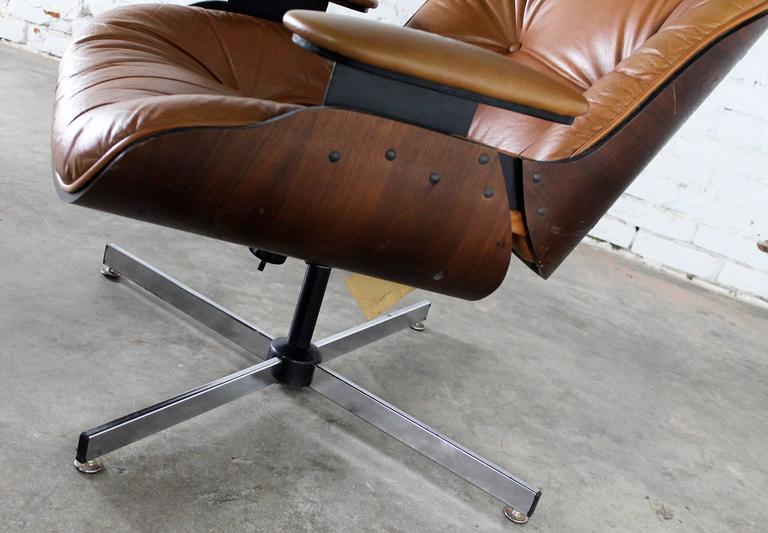 Charmant American Mid Century Modern Plycraft Eames Style Lounge Chair And Ottoman  For Sale