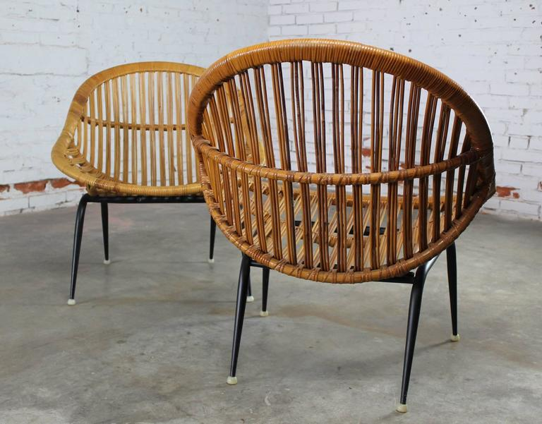 Pair Of Mid Century Modern Rattan Wicker Basket Chairs By Troy Sunshade Compa
