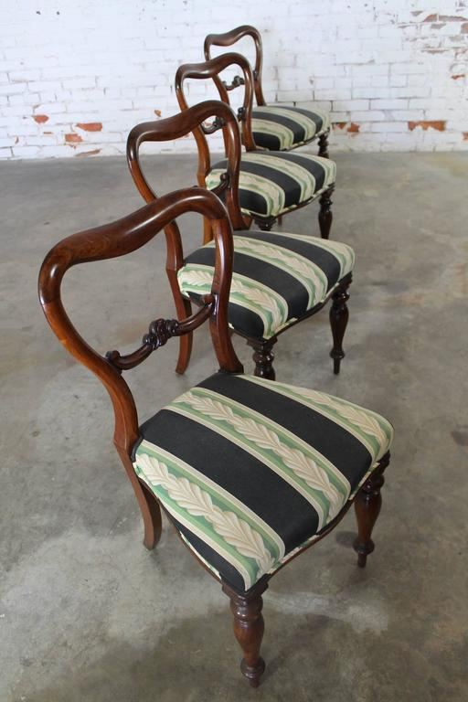 Set of Four Antique Victorian Rosewood Dining Chairs in the Manner of Gillows For Sale 3