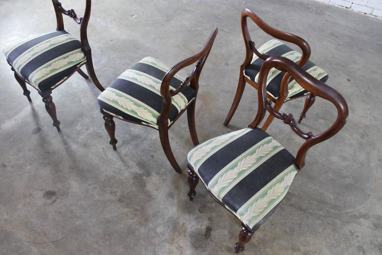Set of Four Antique Victorian Rosewood Dining Chairs in the Manner of Gillows For Sale 5