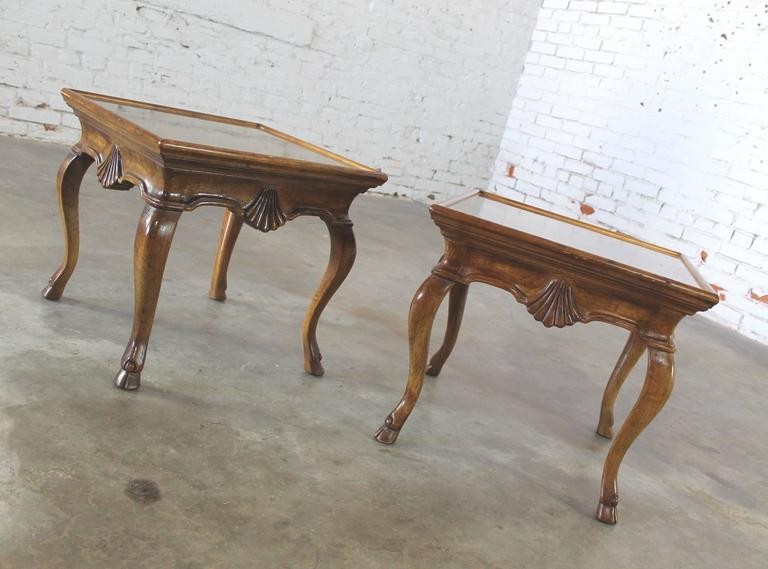 Vintage Pair of Brittiany for Heritage Hooved Side Tables with Brass Insert Tops For Sale 3