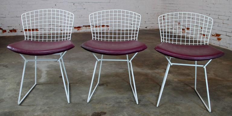 Painted Vintage Mid-Century Modern Bertoia White Wire Side Chairs For Sale