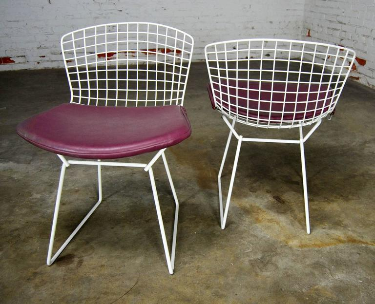 20th Century Vintage Mid-Century Modern Bertoia White Wire Side Chairs For Sale