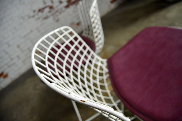 Faux Leather Vintage Mid-Century Modern Bertoia White Wire Side Chairs For Sale