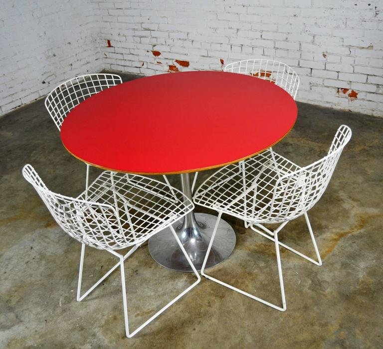Vintage Mid-Century Modern Bertoia White Wire Side Chairs For Sale 4