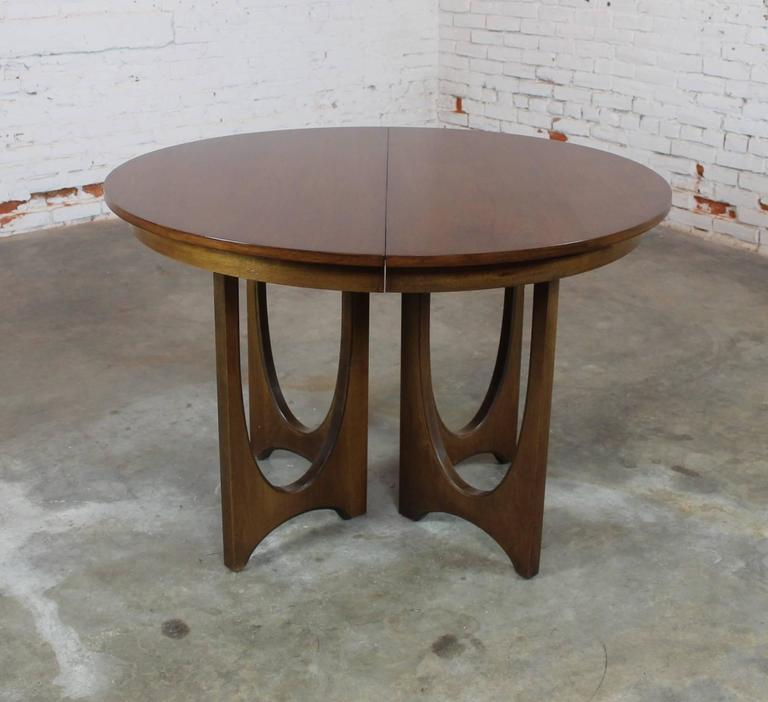 Mid Century Modern Broyhill Brasilia 6140 1645 Round Pedestal Base Dining Table 2