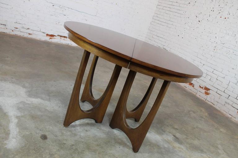 Mid-Century Modern Broyhill Brasilia 6140-1645 Round Pedestal Base Dining Table 4