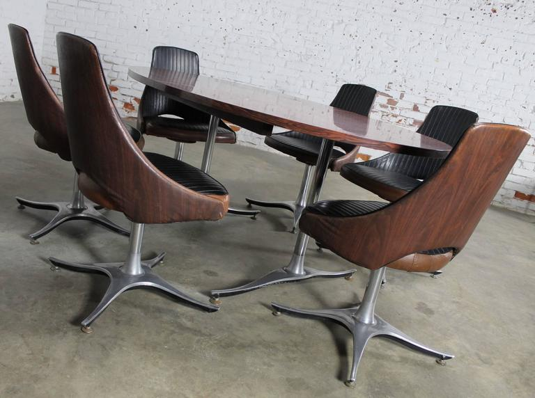 Mid-Century Modern Mid-Century Dinette Set, Oval Double Pedestal Table with Six Swivel Chairs For Sale
