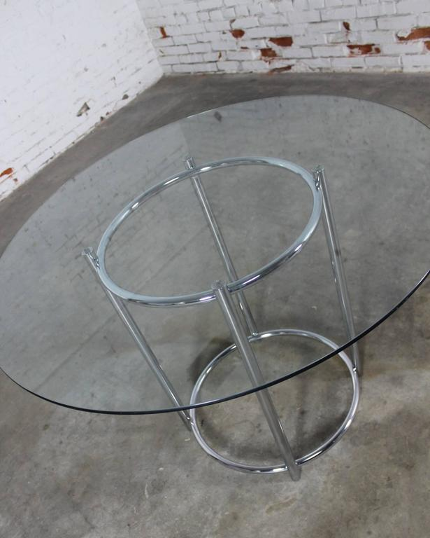 Mid-Century Daystrom Round Glass Chrome Dinette Table and Four Wicker Chairs In Good Condition For Sale In Topeka, KS