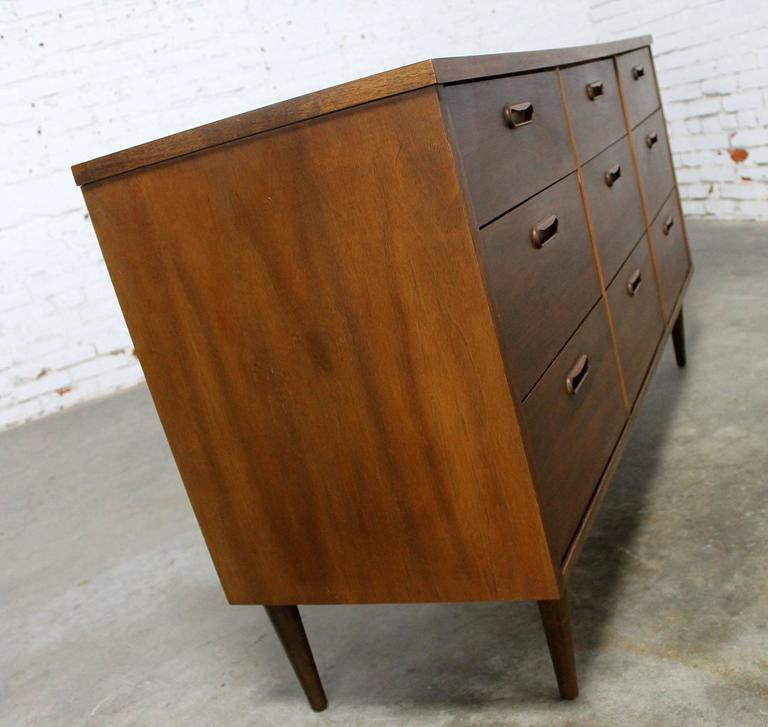 Mid-Century Walnut Danish Modern Style Nine-Drawer Dresser 2