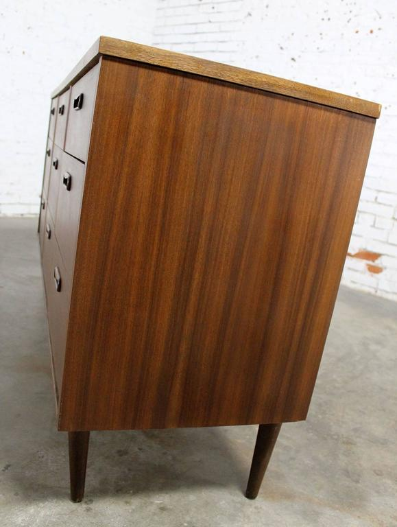 Mid-Century Walnut Danish Modern Style Nine-Drawer Dresser 3