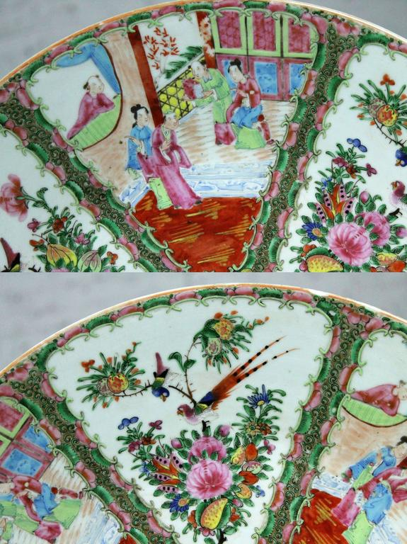 Large Antique Chinese Qing Rose Medallion Porcelain Charger Platter Traditional In Good Condition For Sale In Topeka, KS