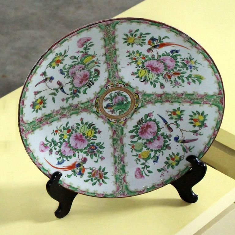 Gorgeous and wonderful large antique Chinese Rose Medallion charger, platter, or chop plate with an unusual medallion design of birds and floral only, without the village scenes. Qing dynasty circa 1850-1890 and in fabulous antique condition with no
