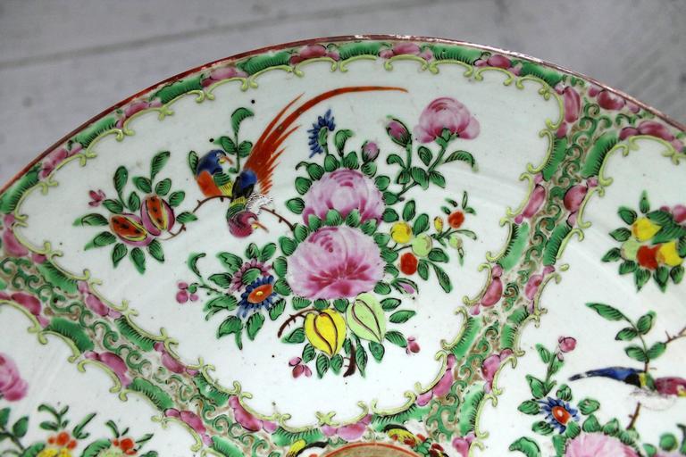 Large Antique Chinese Qing Rose Medallion Porcelain Charger Platter Birds Floral For Sale 3