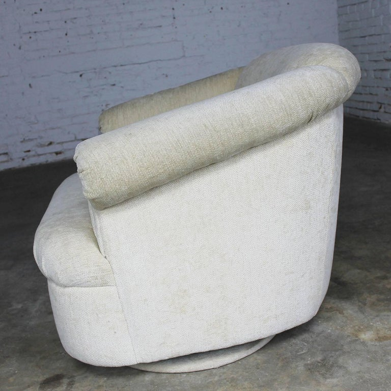 Barrel Shaped off White Vintage Swivel Club Chair with Rolled Arms In Good Condition For Sale In Topeka, KS