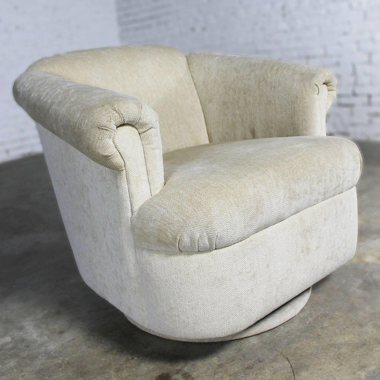 Barrel Shaped off White Vintage Swivel Club Chair with Rolled Arms For Sale 4
